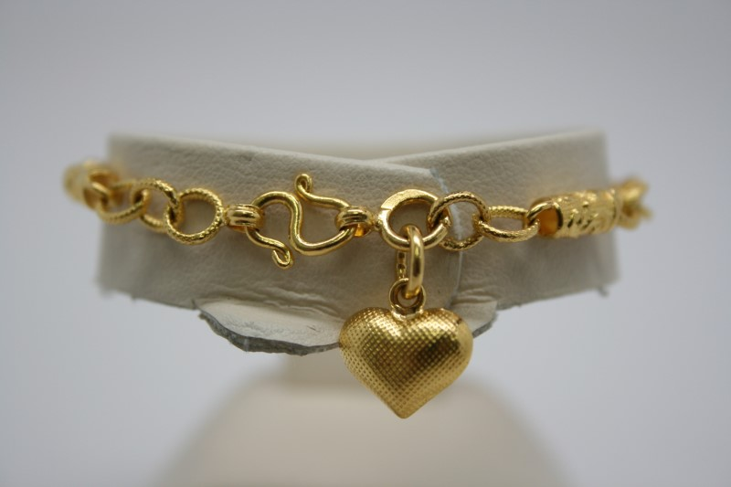 HEART CHARM BRACELET 22K YELLOW GOLD 5.5""