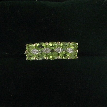 Green Stone Lady's Stone & Diamond Ring .01 CT. 10K Yellow Gold 1.5dwt