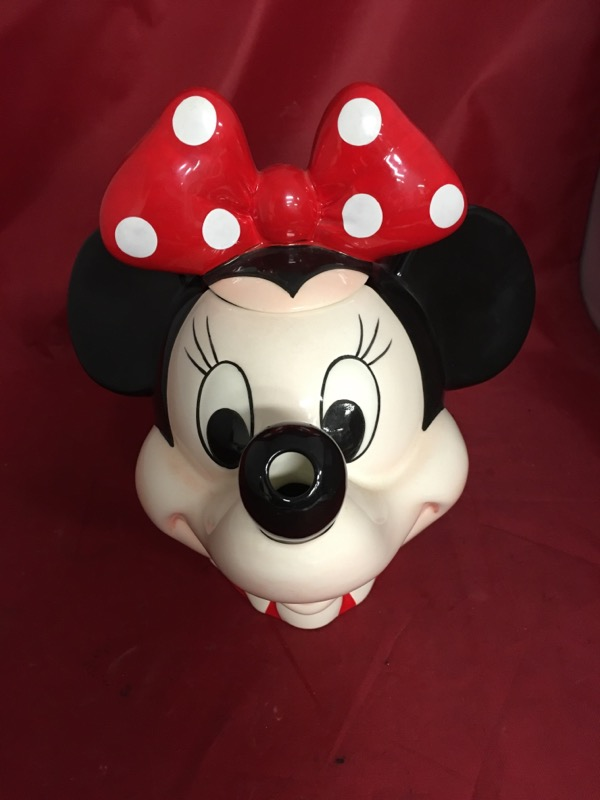 DISNEY Collectible Plate/Figurine MINNIE TEAPOT