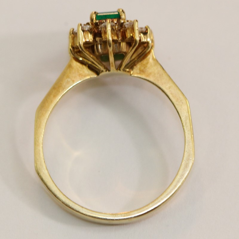 18K Yellow Gold Emerald and Diamond Ring Size 6