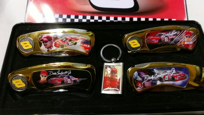 DALE EARNHARDT JR  4 KNIFE SET with keychain