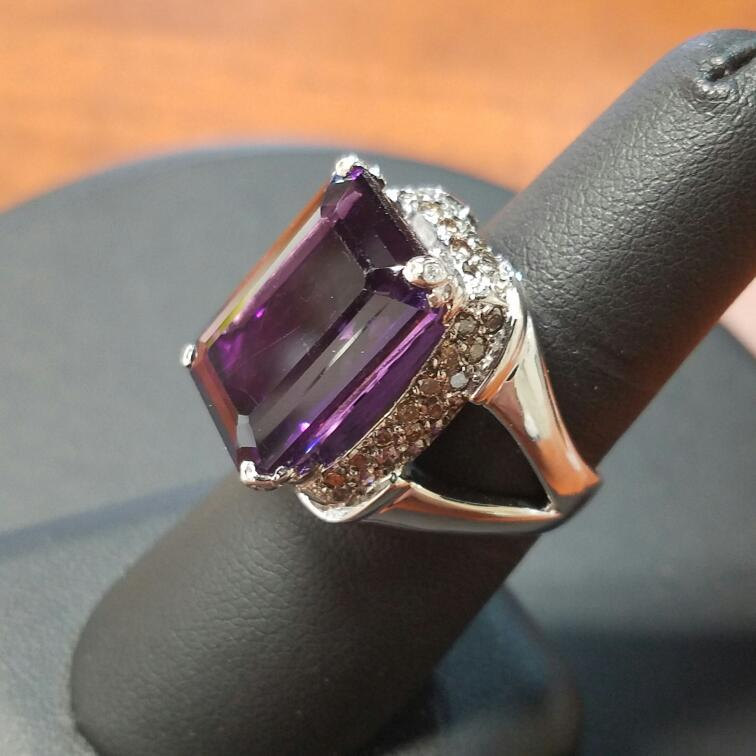 Purple Stone Lady's Stone & Diamond Ring 36 Diamonds .60 Carat T.W.