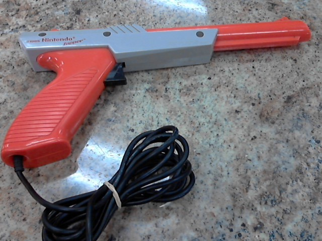 NINTENDO Video Game Accessory ZAPPER GUN
