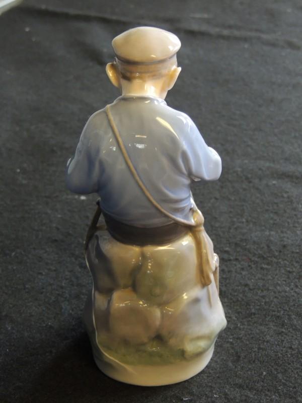 Royal Copenhagen Whittler Boy Figurine #905 Made In Denmark