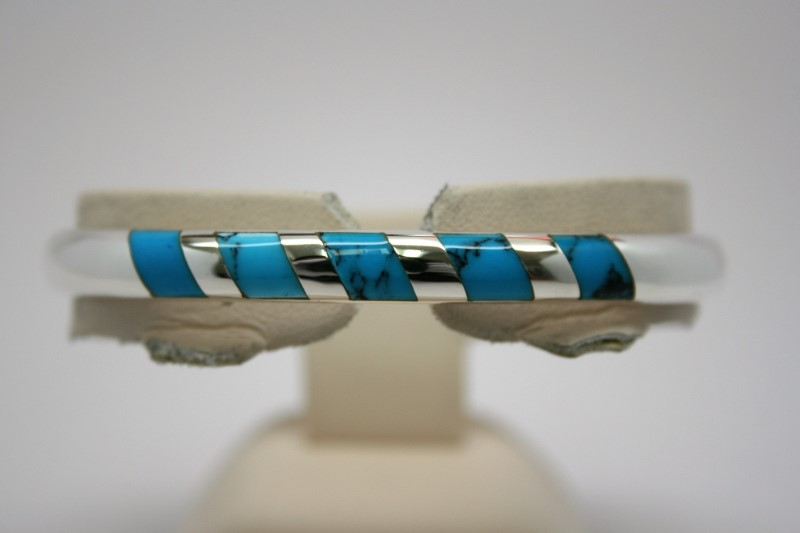 FASHION SILVER BANGLE W/ SYNTHETIC TURQUOISE