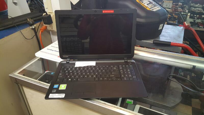 TOSHIBA Laptop/Netbook C55-B5277