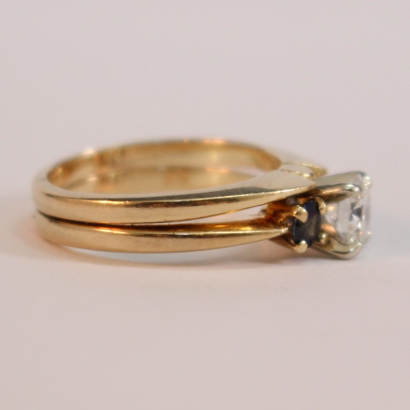 14K Yellow Gold Round Diamond and Sapphire Ring Size 5.5