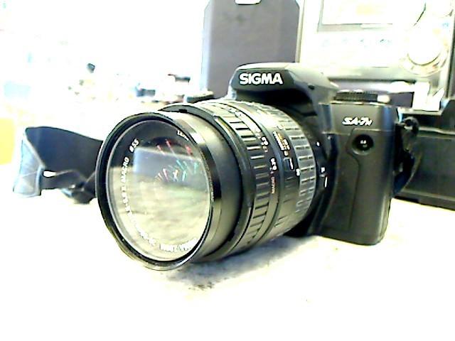 SIGMA SA-7 SLR FILM CAMERA w/28-80mm & 70-300mm LENSES