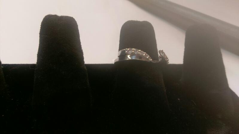 Lady's Diamond Wedding Band 10 Diamonds .10 Carat T.W. 14K White Gold 3g