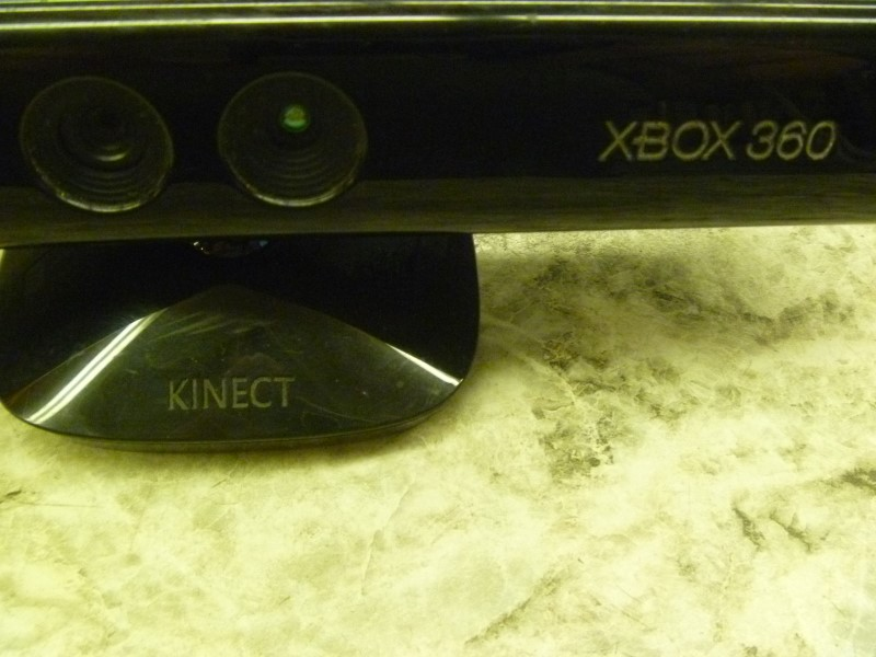 MICROSOFT 1414 XBOX 360 KINECT WITH CORDS (BLACK)