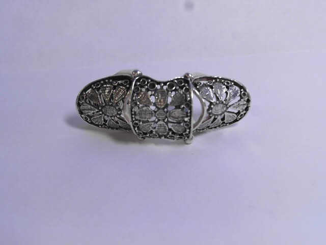 Lady's Silver Ring 925 Silver 10.35dwt Size:6