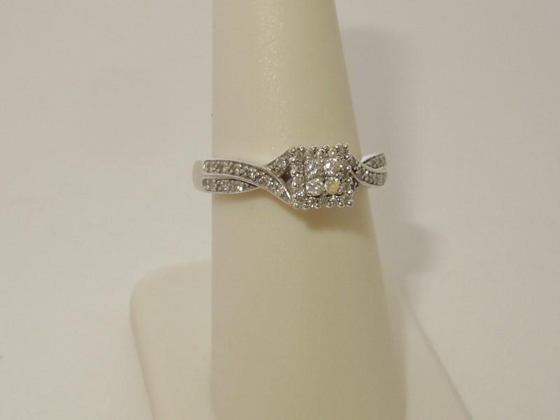 Lady's Diamond Engagement Ring 40 Diamonds .300 Carat T.W. 10K White Gold 4g
