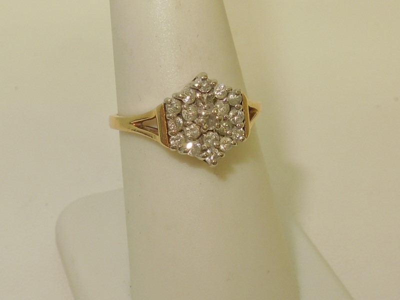 Lady's Diamond Cluster Ring 19 Diamonds .38 Carat T.W. 14K Yellow Gold 2.8g