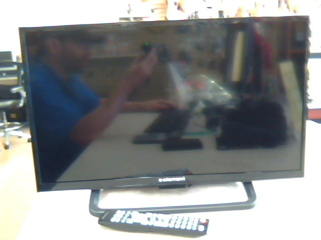 """ELEMENT ELEFW248 24"""" LED 720P TV WITH REMOTE"""