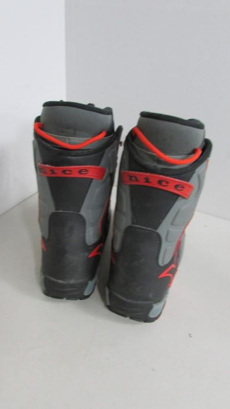 GNU SNOWBOARD BOOTS