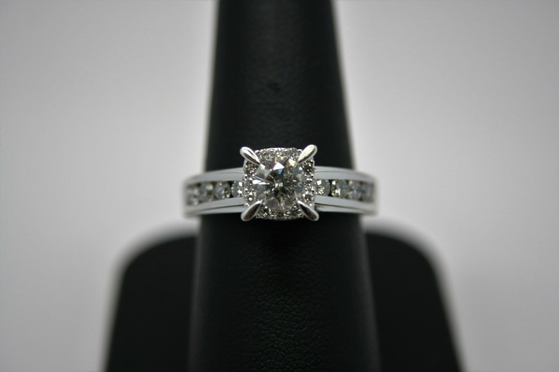 Lady's Diamond Engagement Ring 21 Diamonds .96 Carat T.W. 14K White Gold 5.9g