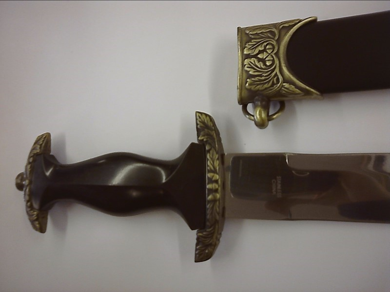 KNIFE COLLECTABLE WITH SHEATH