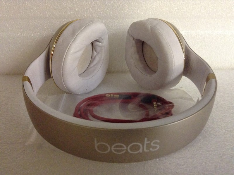 BEATS AUDIO Headphones B0500