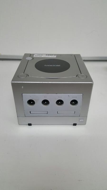 Silver Platinum Nintendo Gamecube Video Game Console System (DOL-101)