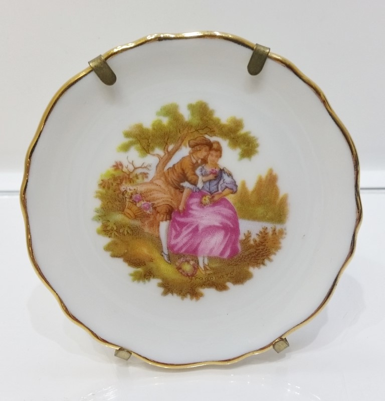 "Limonges France Collectible 3"" Mini Gold Trimmed Courting Couple Plate w/ Stand"