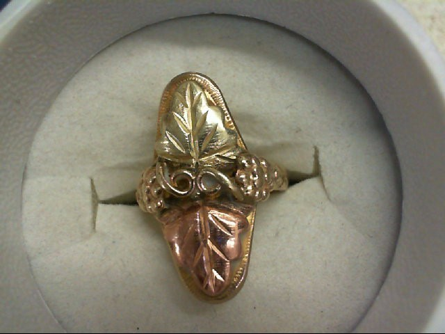 Lady's Gold Ring 10K Yellow Gold 3.4g