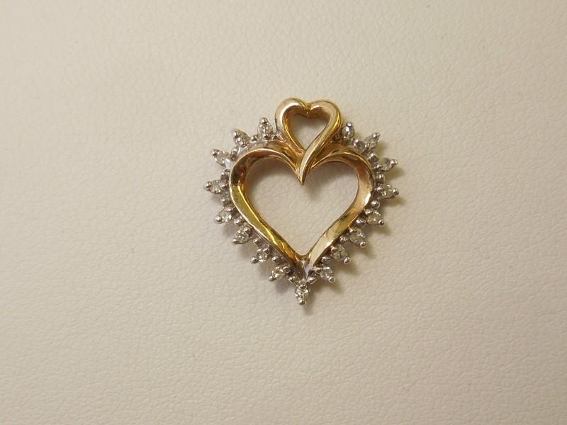 Gold-Multi-Diamond Pendant 17 Diamonds .17 Carat T.W. 10K Yellow Gold 1.3g
