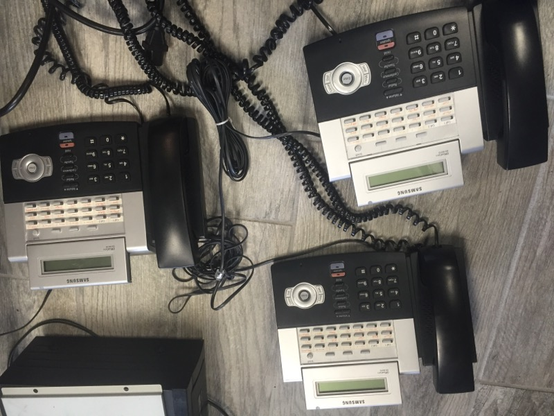 SAMSUNG Land Line Phones & System OFFICESERV 7100