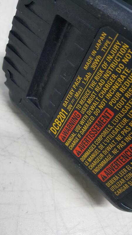 DeWalt DCD790 20V Max XR Lithium Ion Cordless Compact Drill / Driver Kit