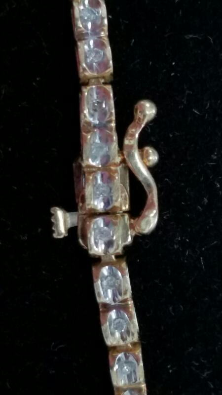 Gold-Diamond Bracelet 52 Diamonds .52 Carat T.W. 10K Yellow Gold 5.2g