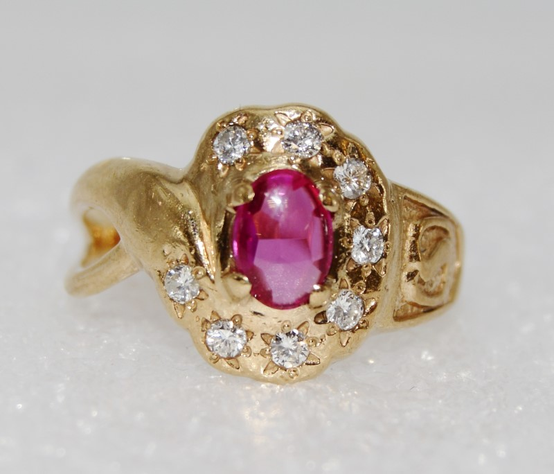 10K Yellow Gold Cabochon Ruby & Diamond Safeway Service Twist Ring Size 8.5