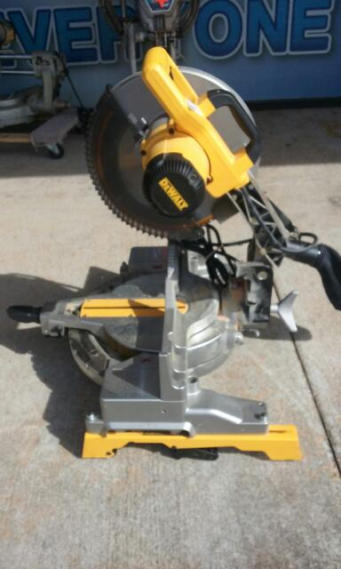 DEWALT Miter Saw DW715-Local pickup only