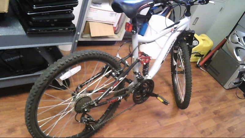 MONGOOSE BICYCLES Mountain Bicycle LEDGE 2.1 21 SPD