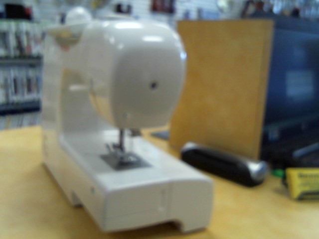SINGER Sewing Machine SINGER SIMPLE SEWING MACHINE 2263