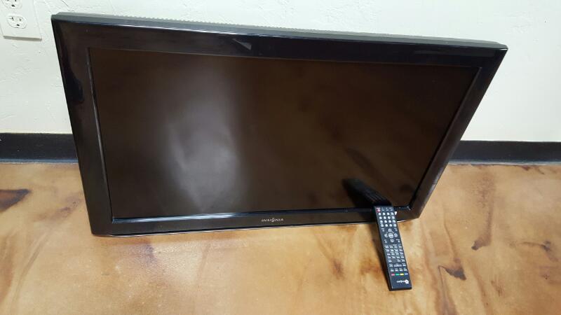 INSIGNIA Flat Panel Television NS-LBD32X-10