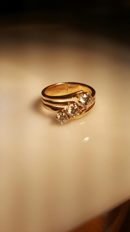 Lady's Diamond Fashion Ring 3 Diamonds .90 Carat T.W. 10K Yellow Gold 4.82g