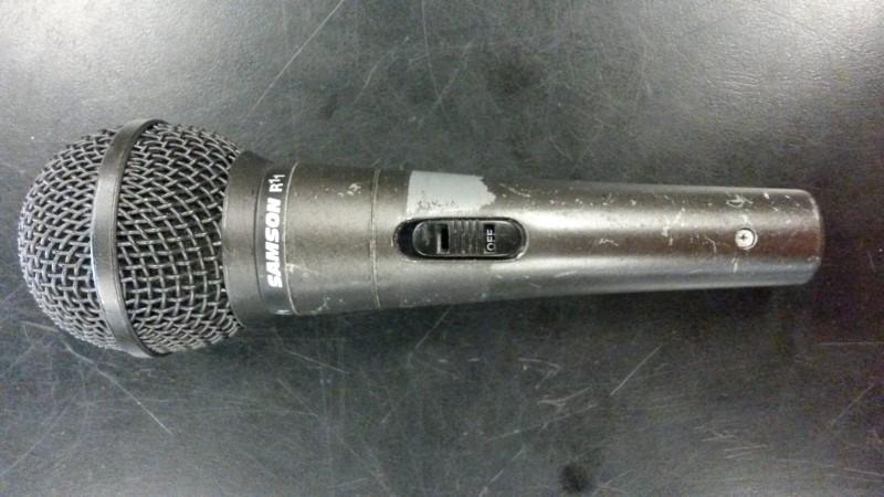 SAMSON Microphone R11