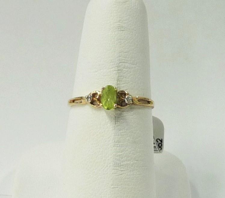 Synthetic Peridot Lady's Stone Ring 10K Yellow Gold 0.6dwt Size:7