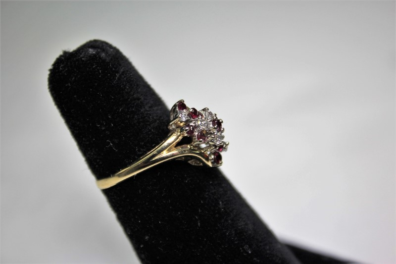 Lady's Ruby & Diamond Ring 6 Diamonds .18 Carat T.W.