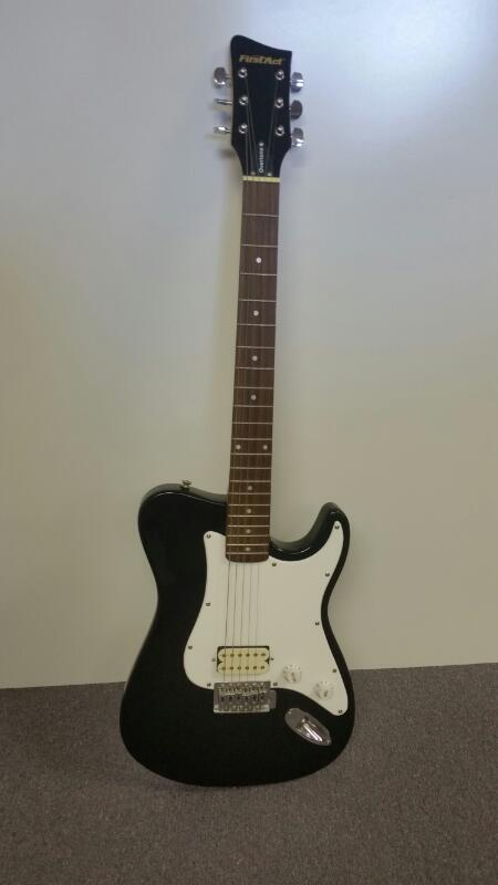 First Act ME310 Stratocaster Black & White Electric Guitar