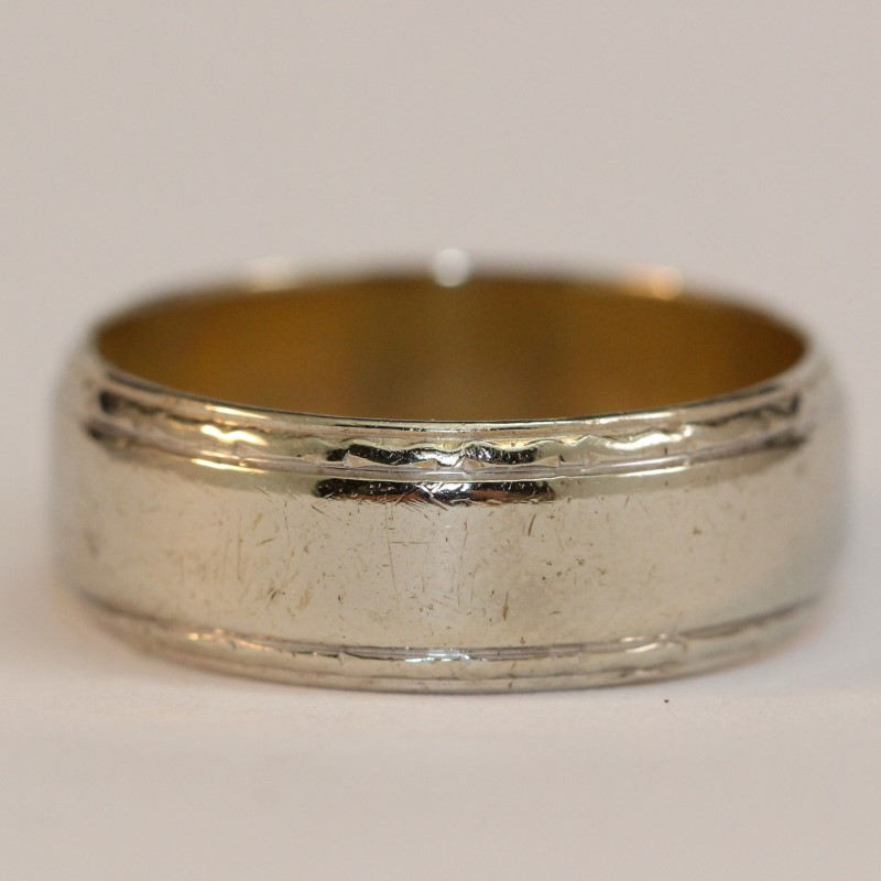 14K White Gold Men's Wedding Band Size 10