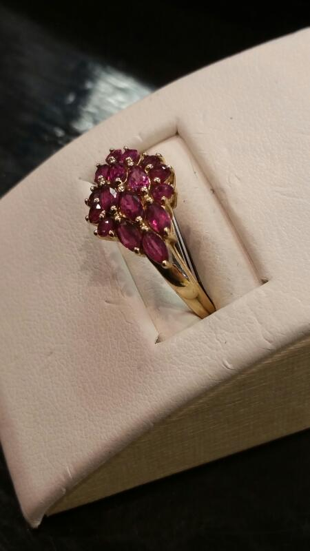 Pink Stone Lady's Stone Ring 14K Yellow Gold 1.4dwt