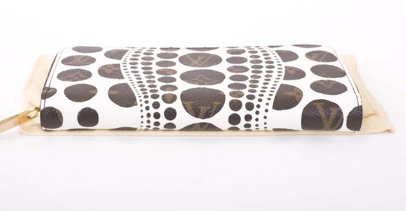LOUIS VUITTON Fashion Accessory KUSAMA ZIPPY CLUTCH PUMPKIN WHITE