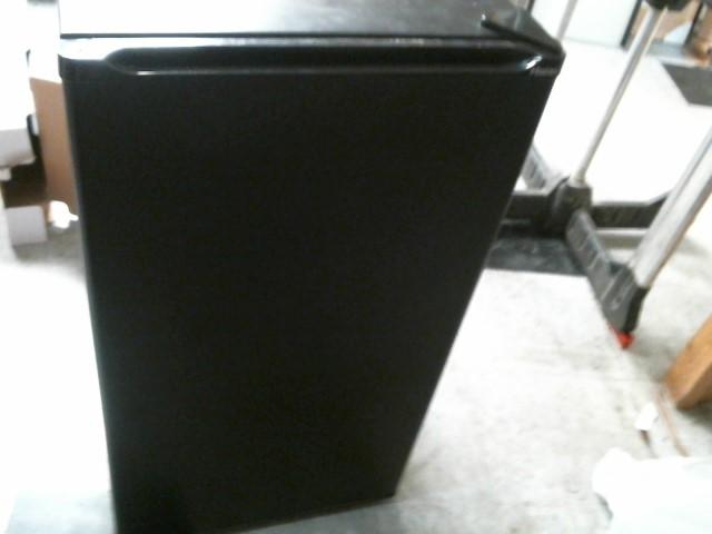 HAIER Refrigerator/Freezer HSA04WNCBB