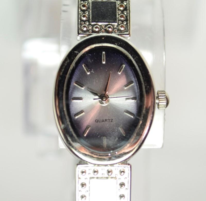 Lady's Stone Band Wristwatch Quartz