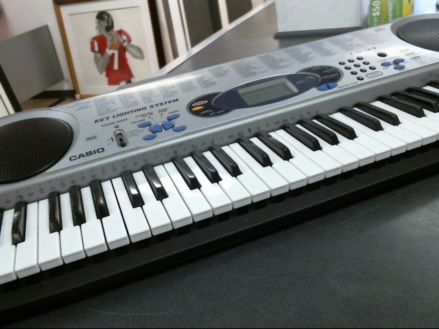 CASIO Keyboards/MIDI Equipment LK-43