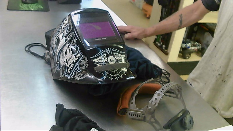 MILLER WELDERS Welding Helmet DIGITAL ELITE
