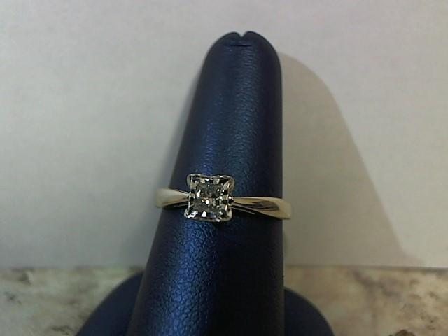 Lady's Diamond Engagement Ring .14 CT. 14K White Gold 2.4g Size:7.5