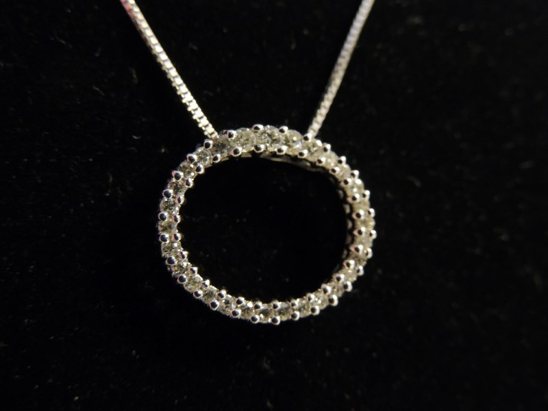 Diamond Necklace 30 Diamonds 1 Carat T.W. 14K White Gold 3.4g 18""