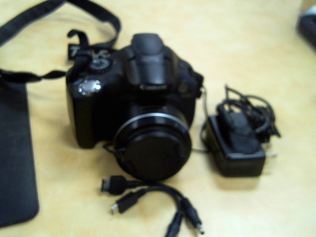CANON Digital Camera PC 1560