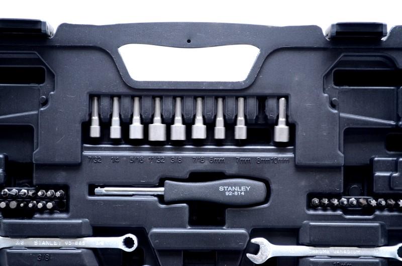 """Stanley STMT71653 145-pc Mechanics Tool Set Incomplete 1/4"""" 3/8"""" Dr>"""